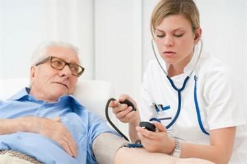 Каковы причины и симптомы гипертонии?