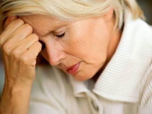 Как распознать инсульт у женщины: первые признаки приступа