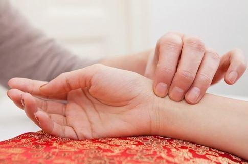 Признаки, причины и методы лечения повышения ЧСС