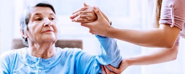 Как восстановить речь после инсульта: способы и методики
