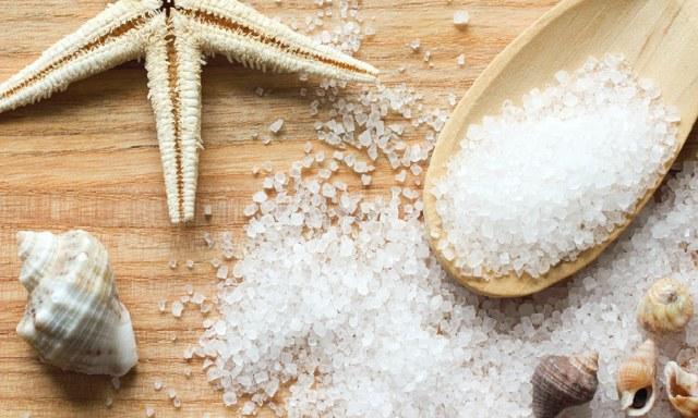 Морская и поваренная соль от геморроя