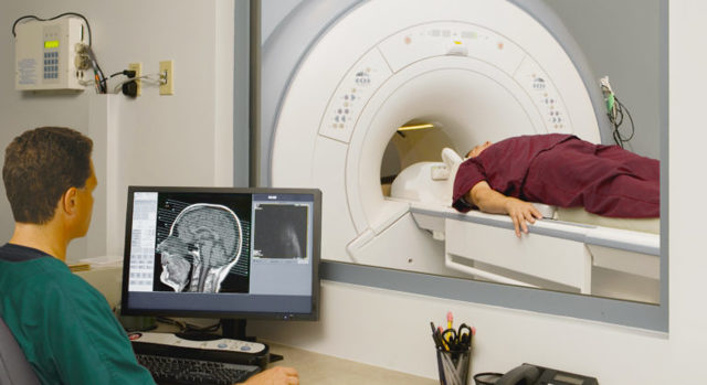 Клиника, диагностика, лечение стволового инсульта
