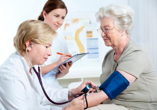 Уколы от давления повышенного, какие уколы делает скорая помощь