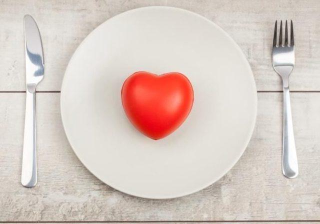 Причины повышения АД после приема пищи