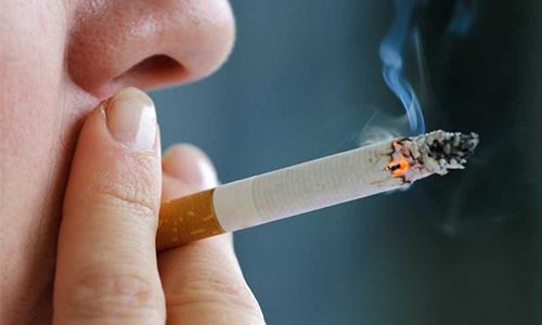 Взаимосвязь курения и геморроя: осложнения, трудности лечения