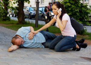 Инсульт – оказываем первую помощь больному