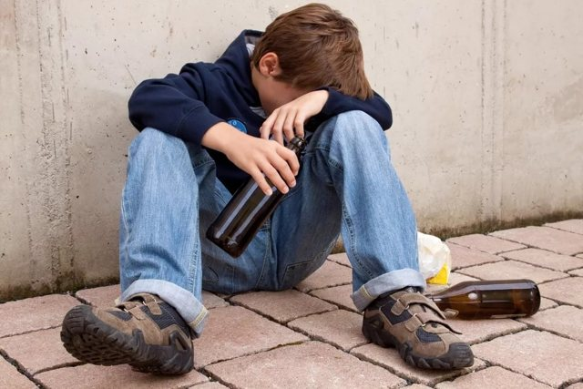 Какое действие на организм оказывают алкогольные напитки?
