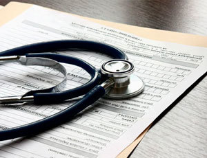 Дают ли больничный лист при геморрое, после операции?